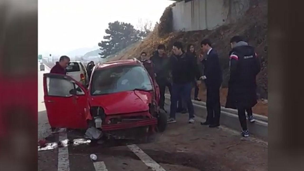 [좋은뉴스] 가던 길 멈추고 전복 차량 세운 시민들