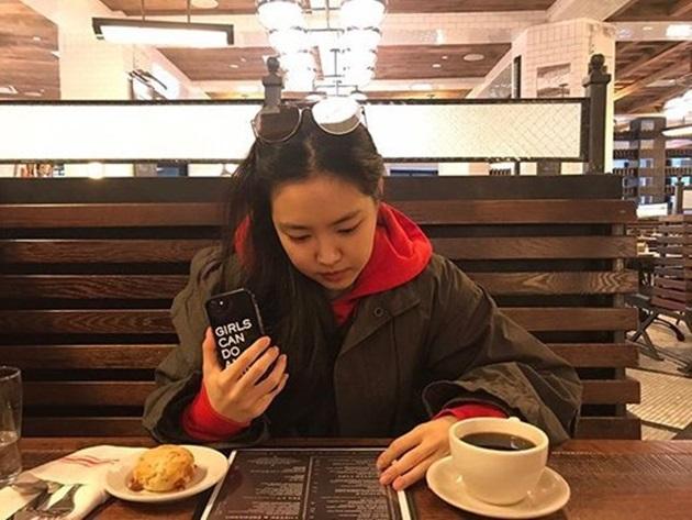 에이핑크 손나은, 페미니즘 논란에 SNS 사진 삭제