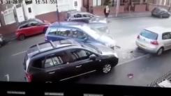 [영상] 초보 운전자의 살벌한 '평행주차' 도전