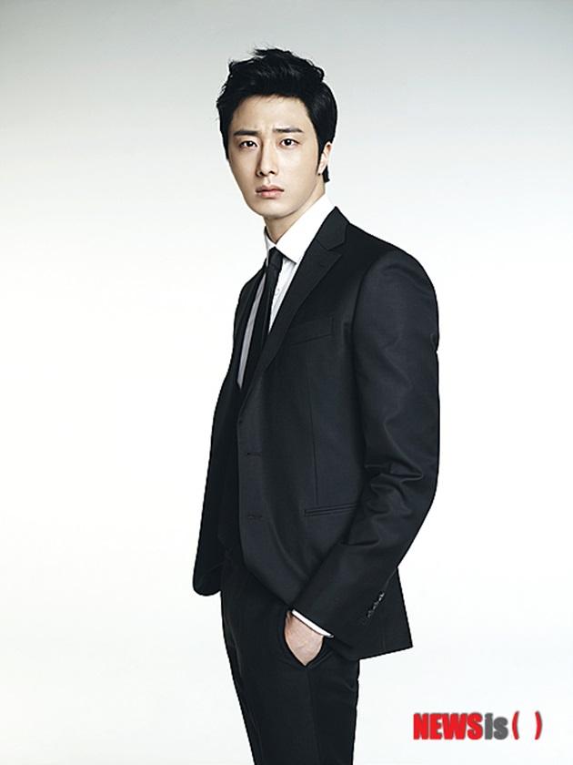 정일우, 故조민기 애도?…SNS 추모글 논란 일자 삭제