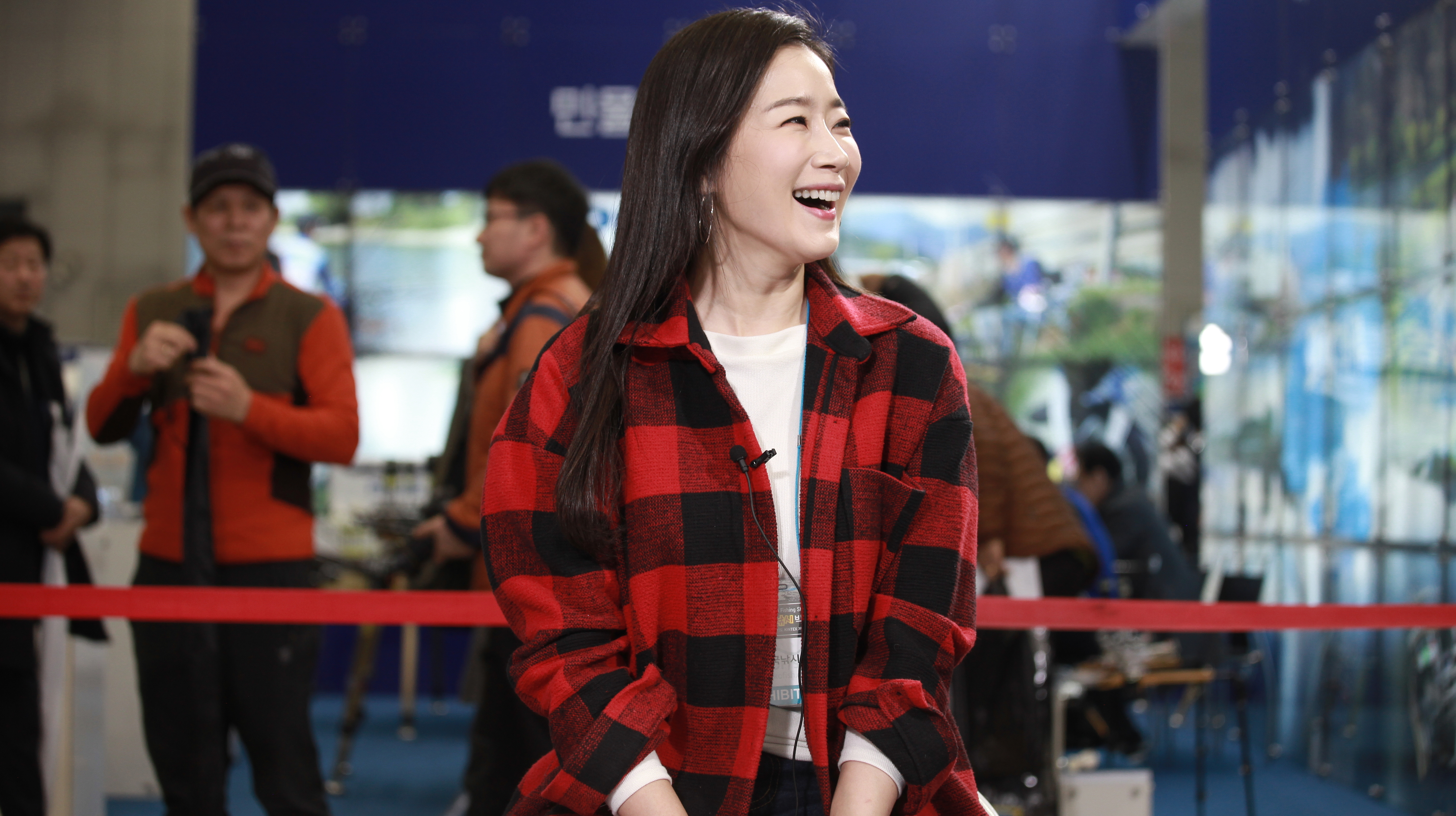 '2018한국국제낚시박람회'에 '낚시본부' 응원차 깜짝 방문한 '서프 김태희' 배우 김하영