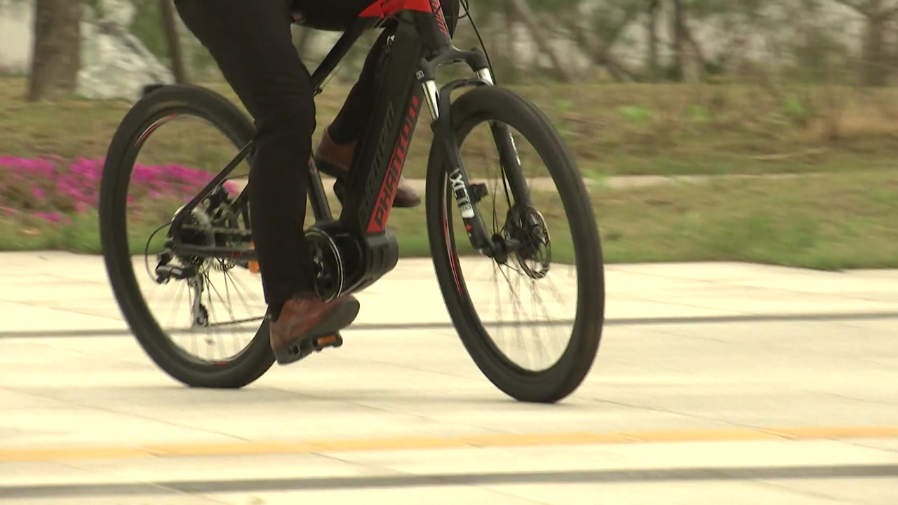전국전기자전거, 운전면허 없어도 자전거도로 통행 가능   YTN