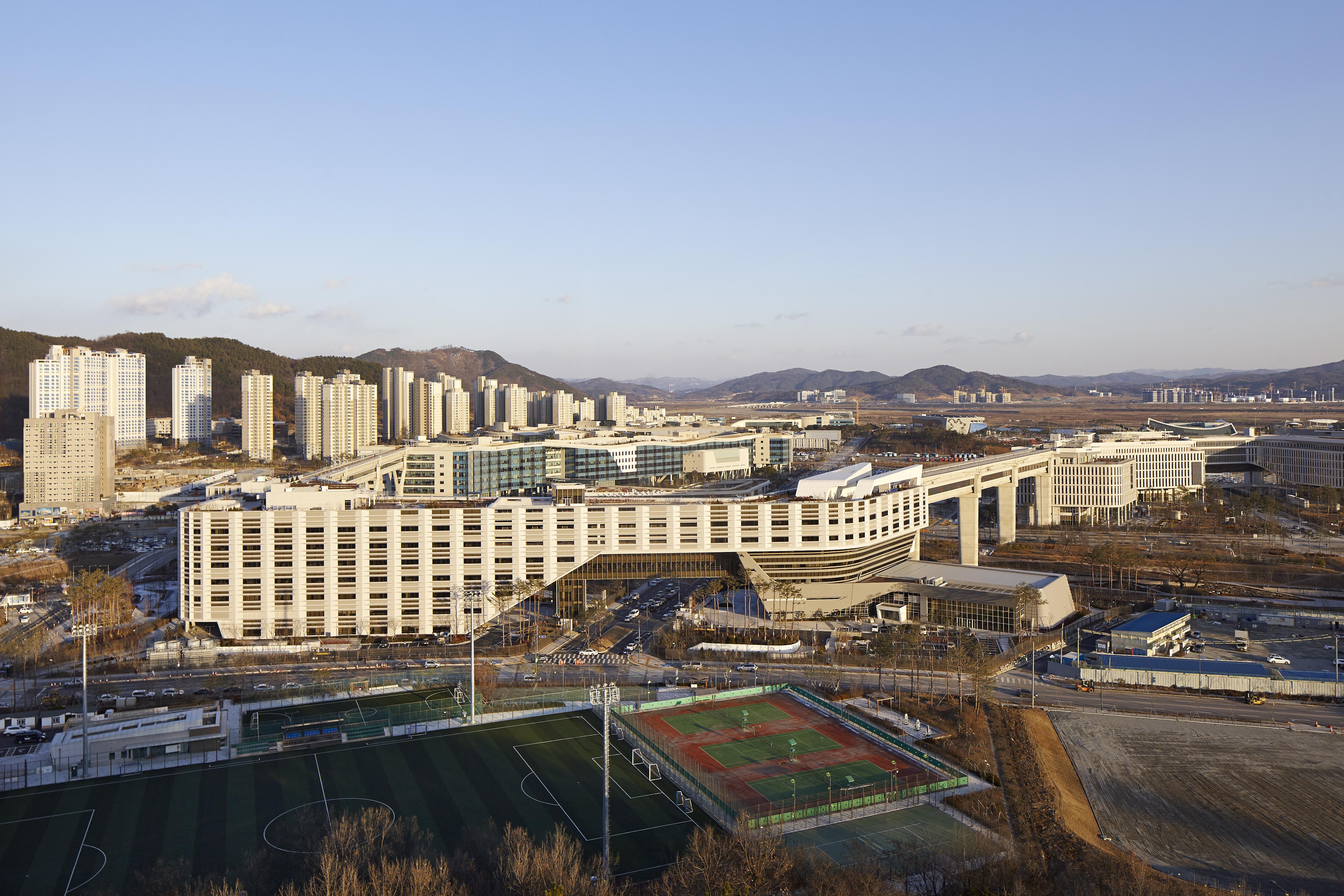 〔안정원의 건축 칼럼〕 미래형 명품도시의 모범 사례로 손꼽히는 행정중심복합도시 1
