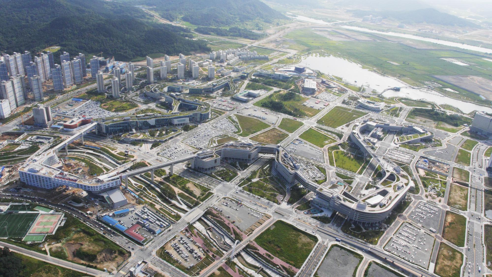 〔안정원의 건축 칼럼〕 미래형 명품도시의 모범 사례로 손꼽히는 행정중심복합도시 2