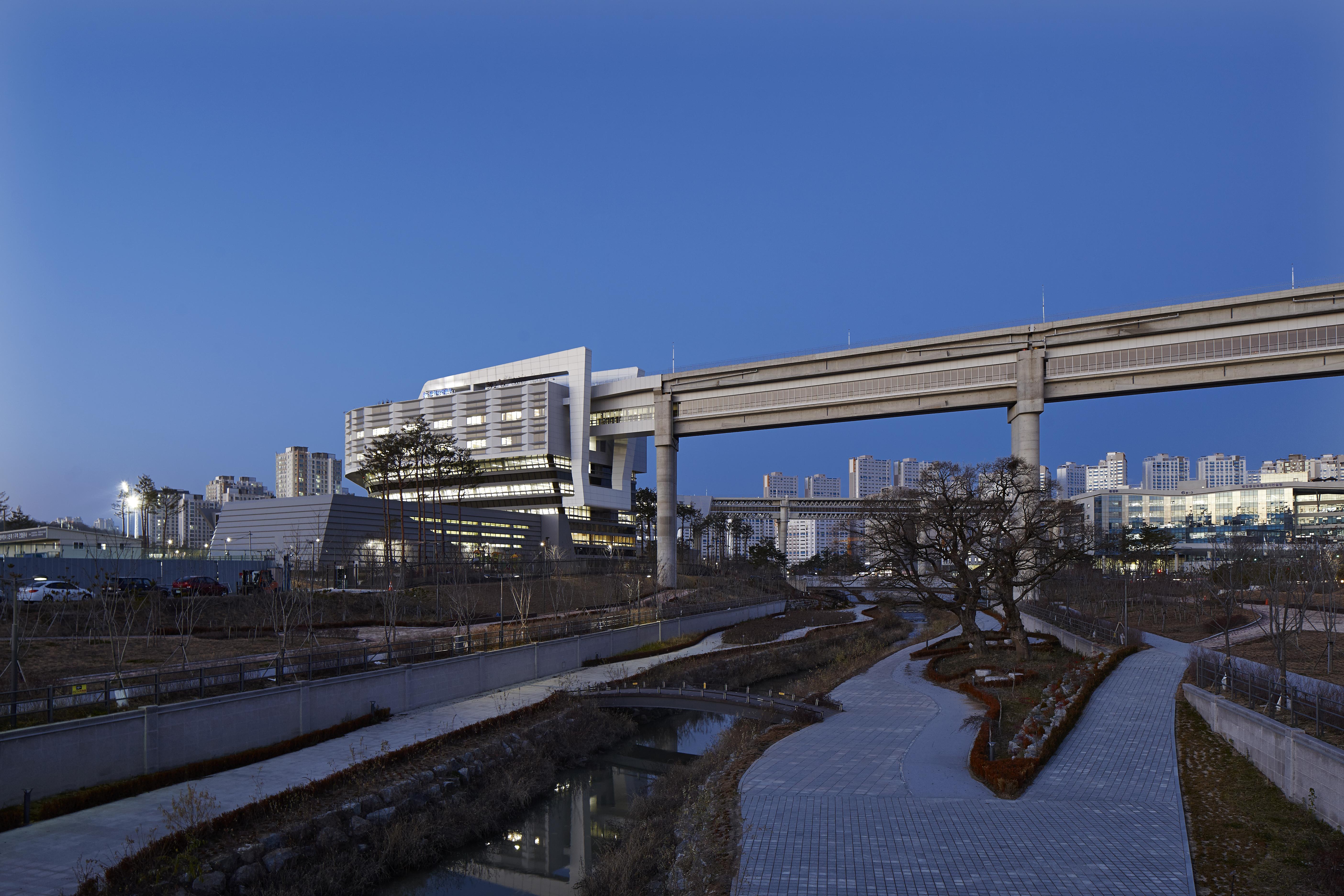〔안정원의 건축 칼럼〕 미래형 명품도시의 모범 사례로 손꼽히는 행정중심복합도시 3
