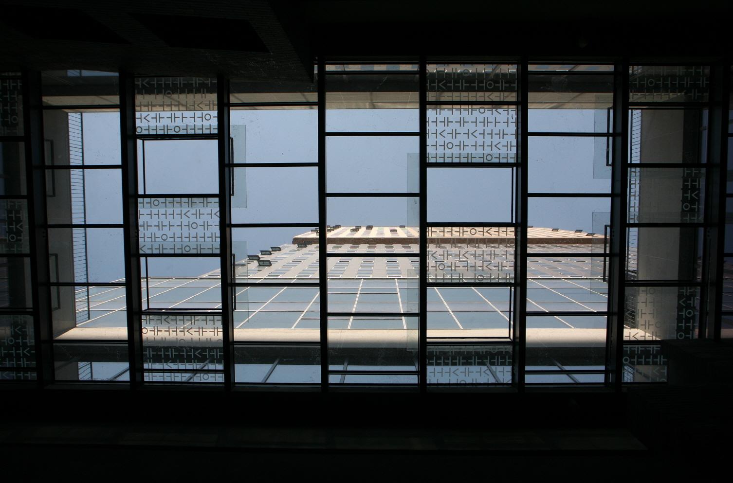 〔안정원의 디자인 칼럼〕 과거와 현재가 공존하는 문화 지향형 오피스 건축 5