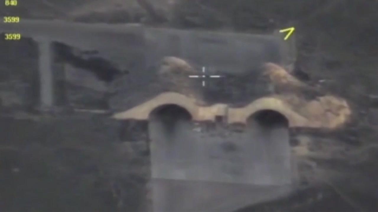 미국, '화학무기 사용' 시리아 전격 공습