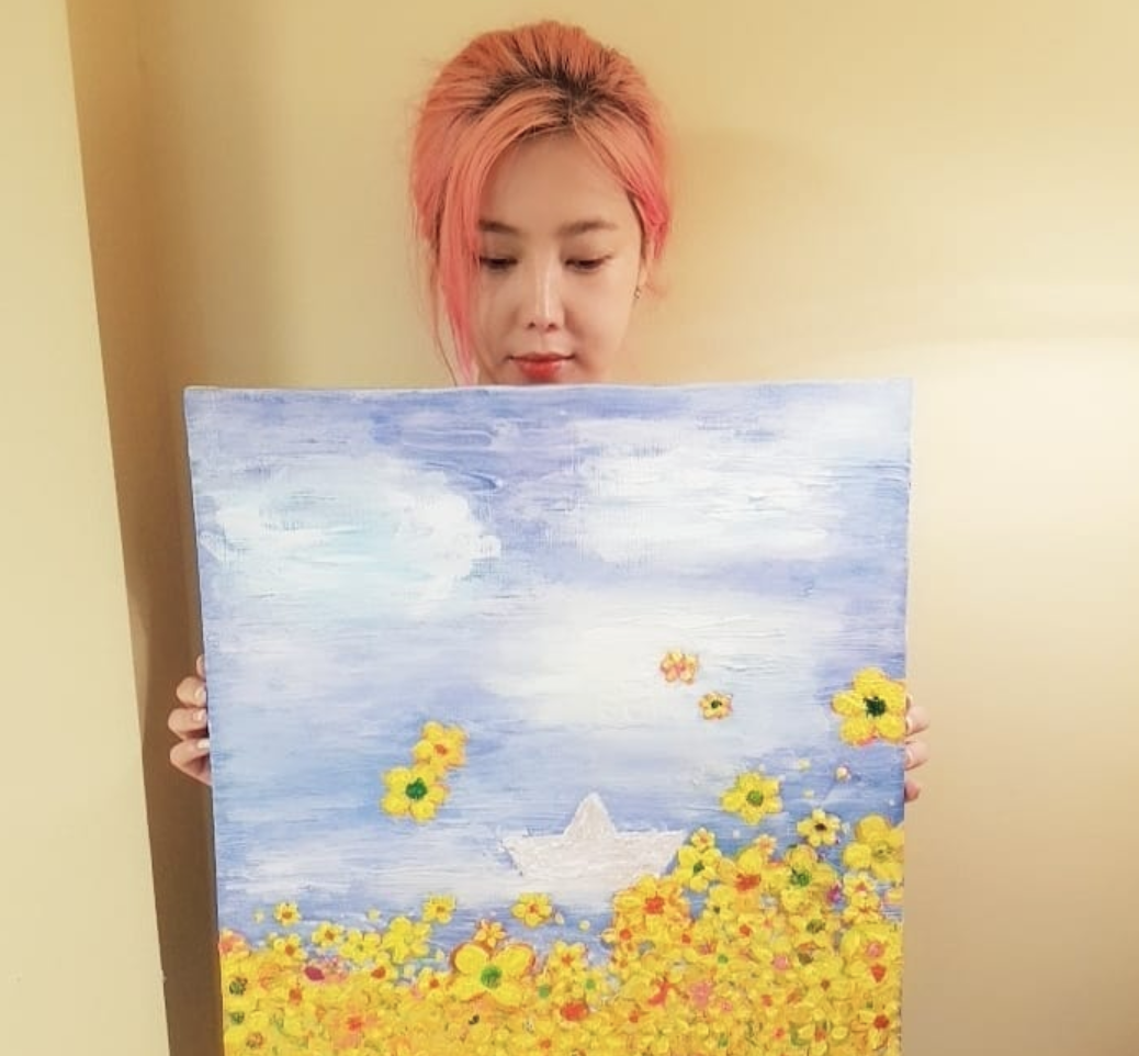 """솔비, 세월호 추모 그림 공개 """"아프지만은 않은 4월의 봄이 되길"""""""