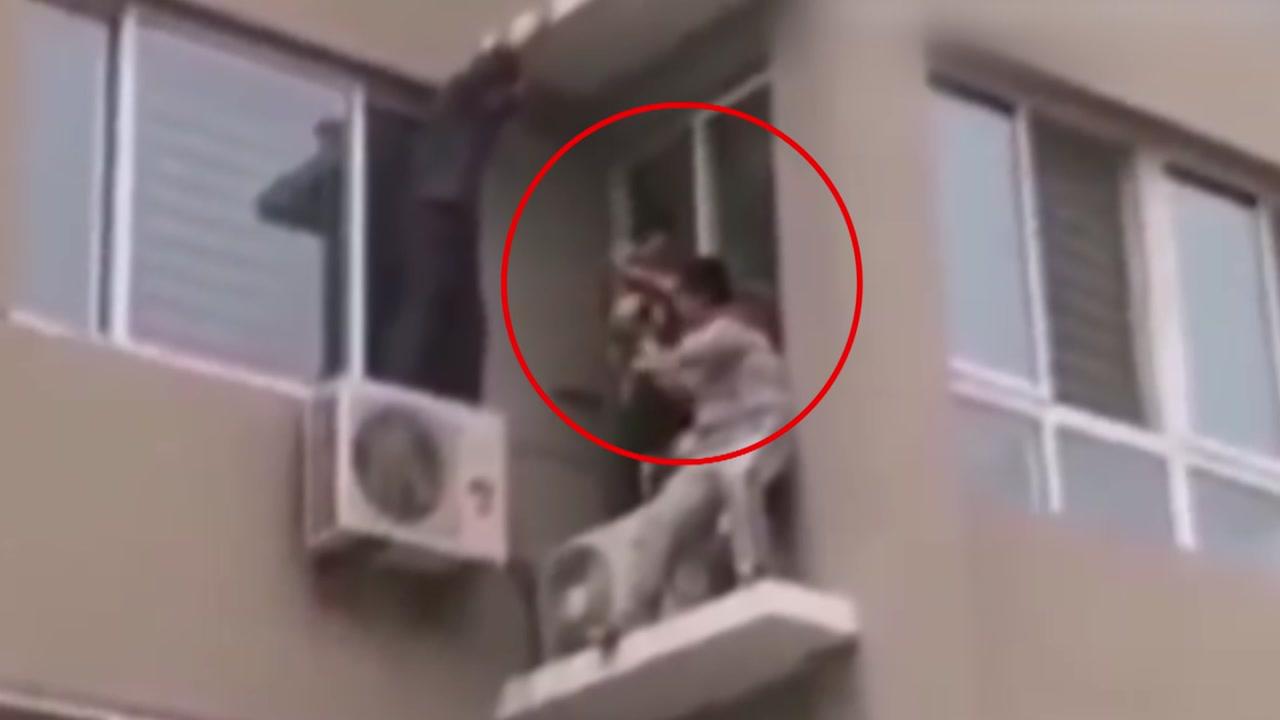 5층 추락 아기 구해낸 퇴역 군인, '캡틴 차이나'?!