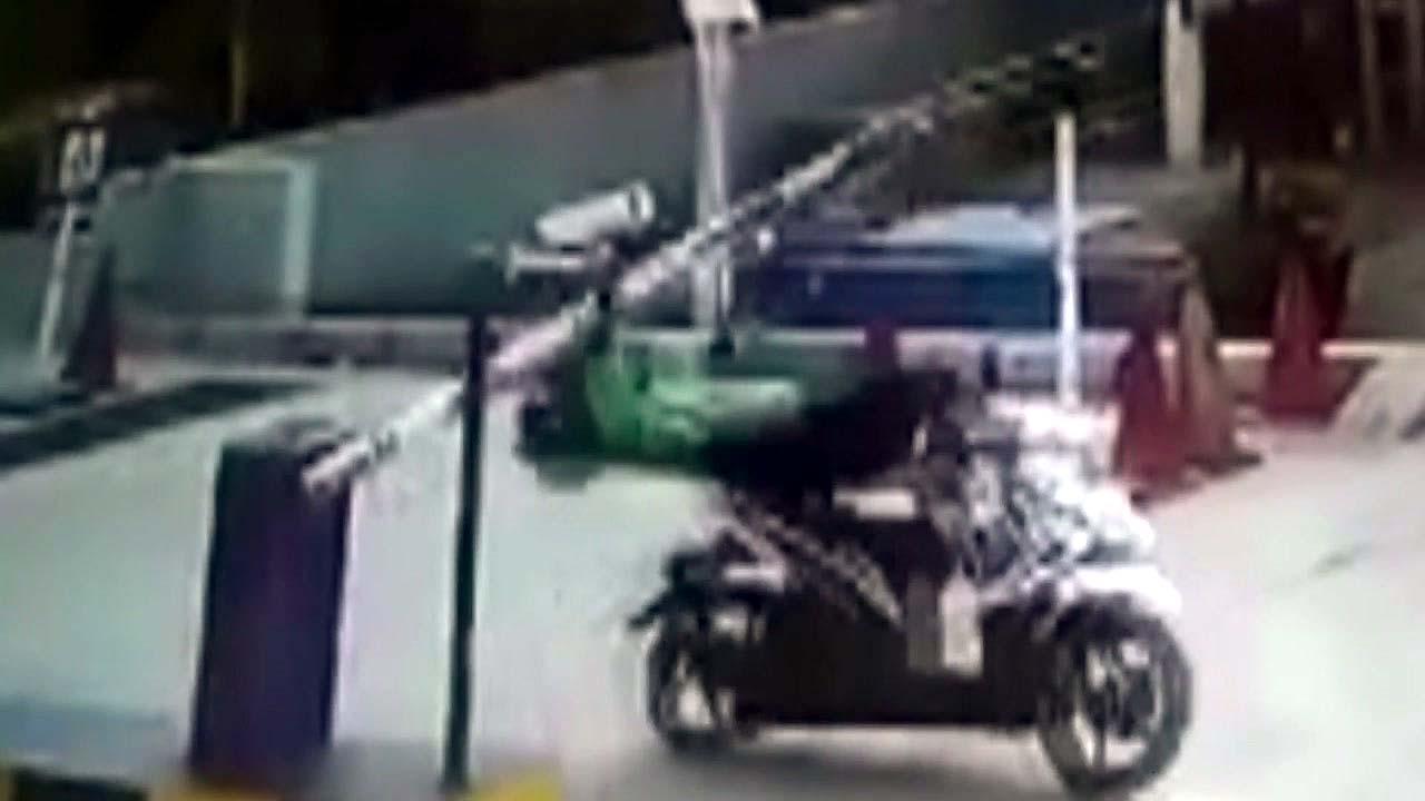 [지구촌생생영상] 인생은 '타이밍'...주차장 황당 사고