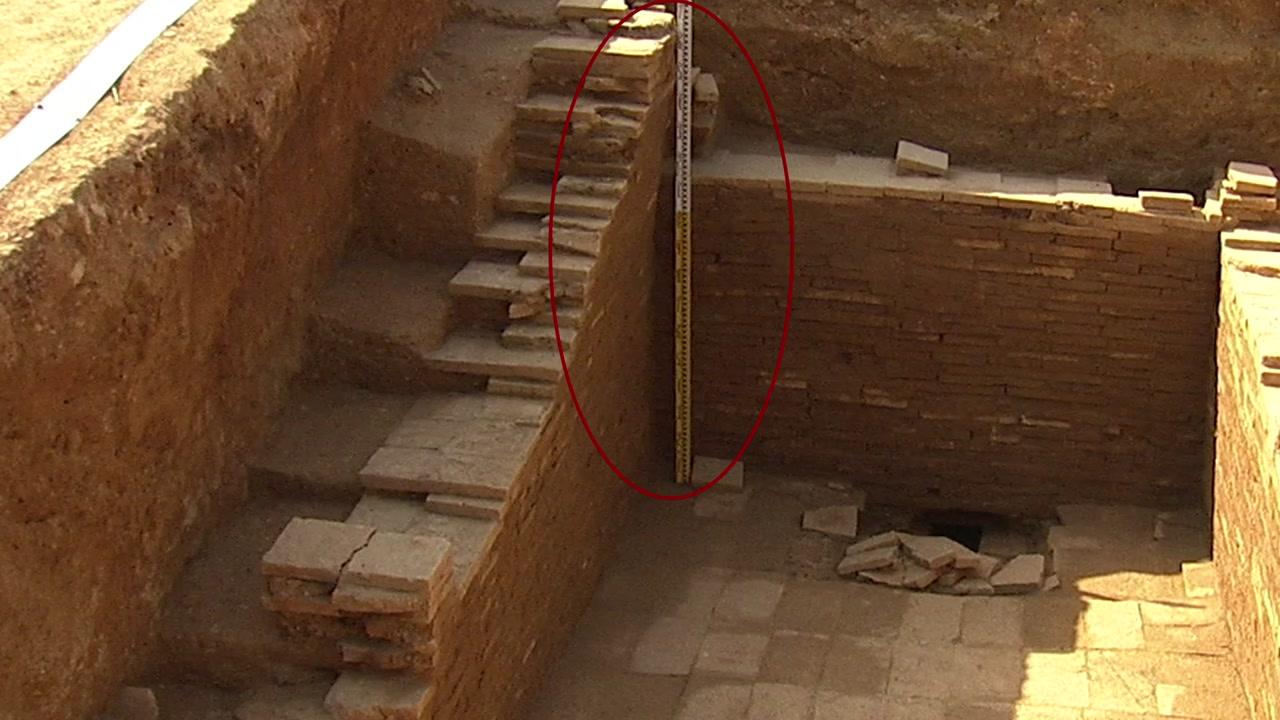 제2의 무령왕릉일까?...백제 왕릉 추정 무덤 발견
