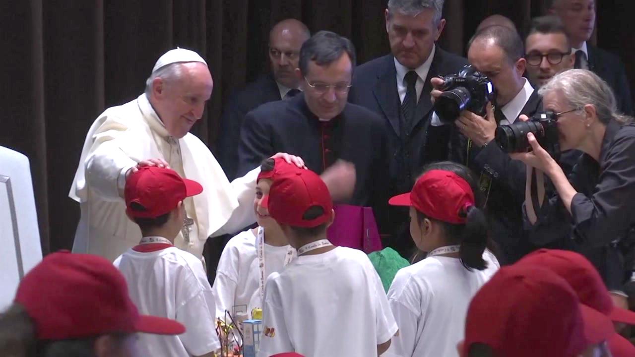 """교황, 이슬람·불교·개신교 어린이들 초대...""""종교·문화 다양성 존중해야"""""""