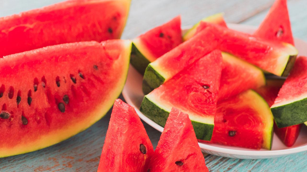 美, 깍둑썰기한 수박 먹고 집단 식중독 발생