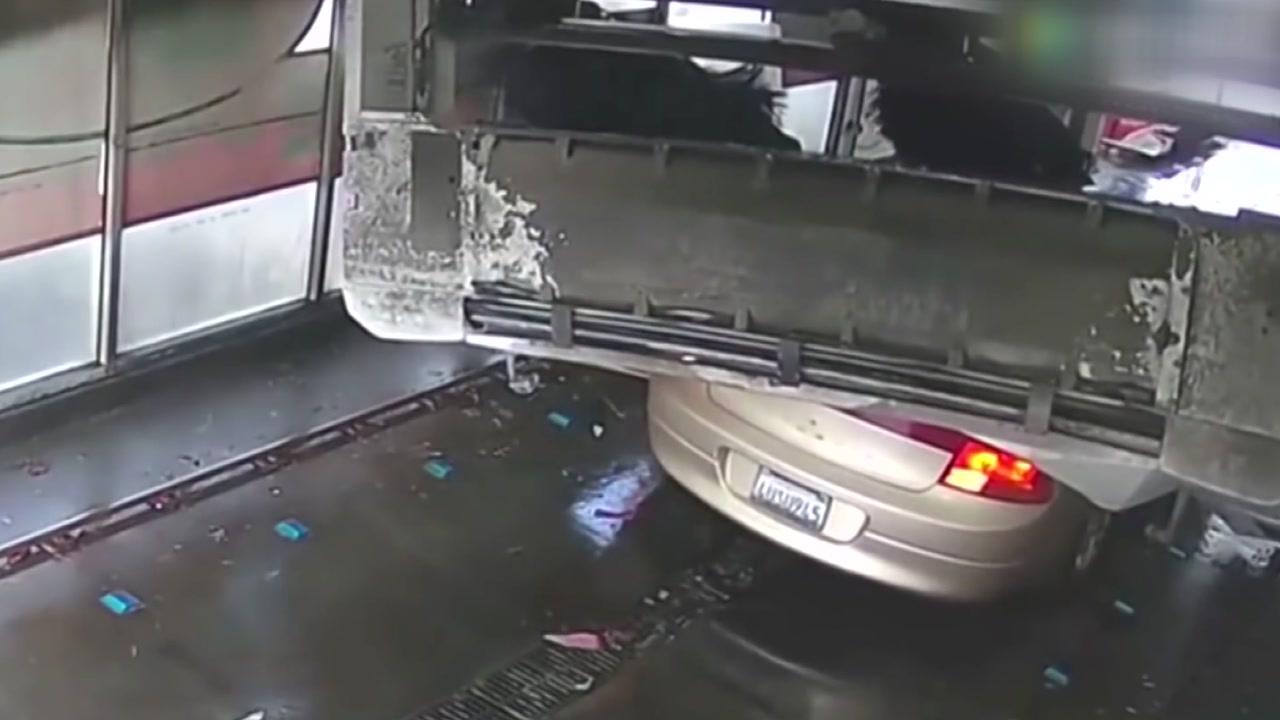 [지구촌생생영상] 세차하려다 폐차 위기에 처한 운전자