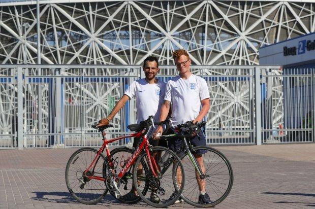 영국부터 러시아까지, 월드컵 보러 자전거 여행한 청년들