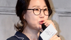 """김은숙 작가, 이혼설에 직접 입 열어...""""오보 황당"""""""