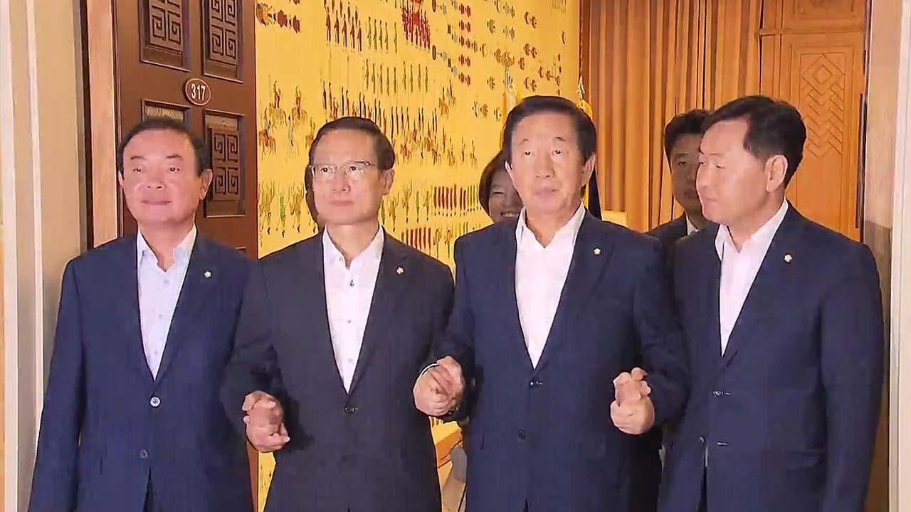 """여야 일자리 논쟁...""""규제 개혁"""" vs """"소득 성장 실패"""""""