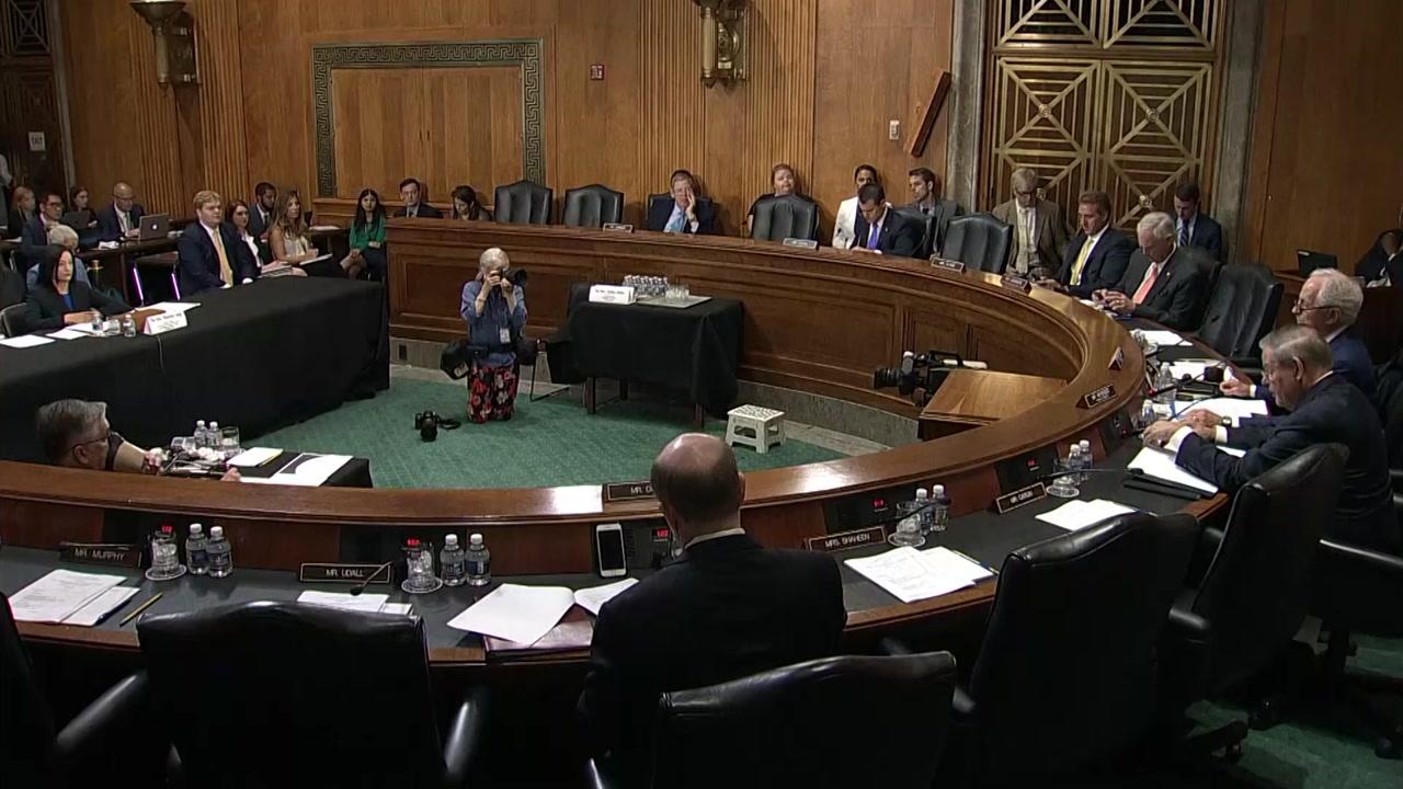 '무모한 관세'... 美의회, 정부 관료 맹폭격