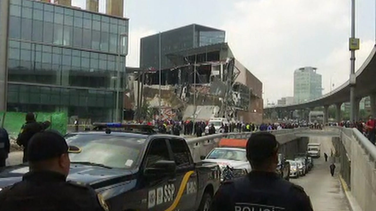 멕시코시티서 쇼핑몰 일부 붕괴...주민 대피·도로 폐쇄