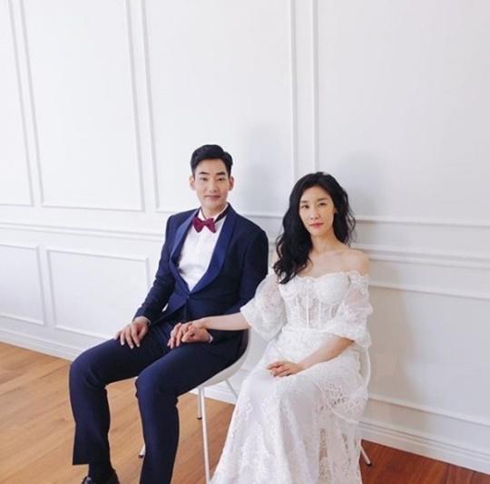 여욱환, 2살 연하 사업가와 웨딩마치