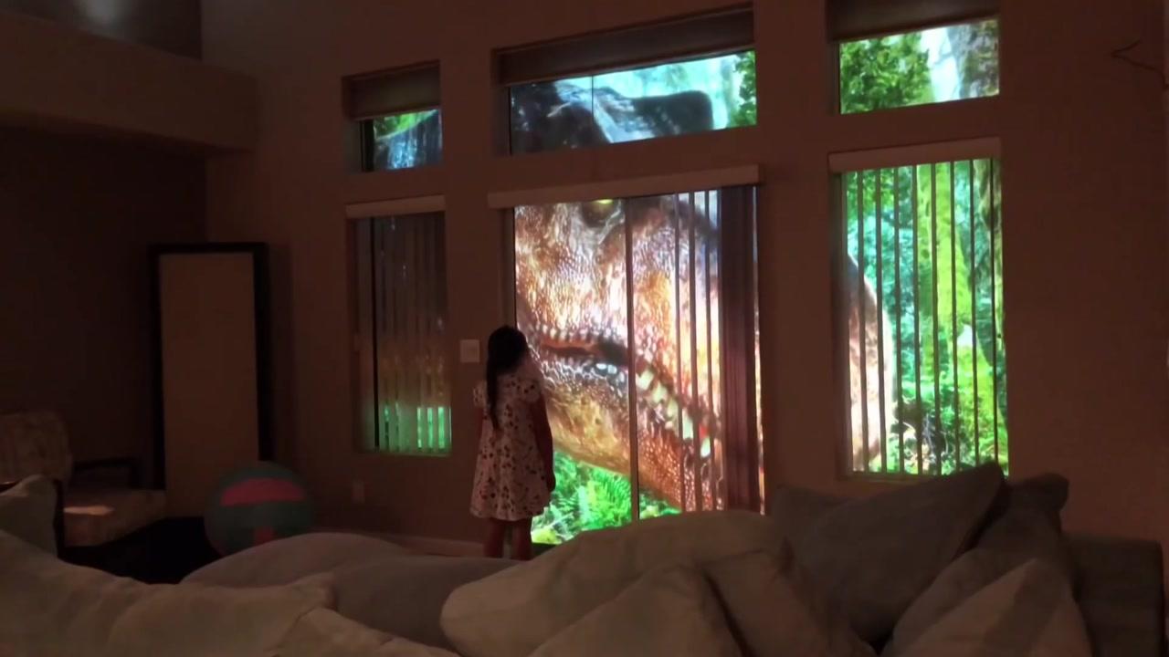 집 안에 공룡이 나타났다? '쥬라기공원'이 된 거실
