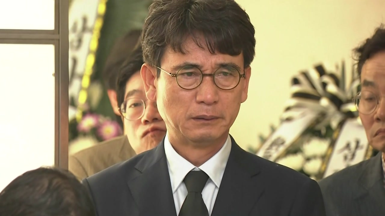 [뉴스앤이슈] 눈물이 마르지 않는 노회찬 의원 빈소