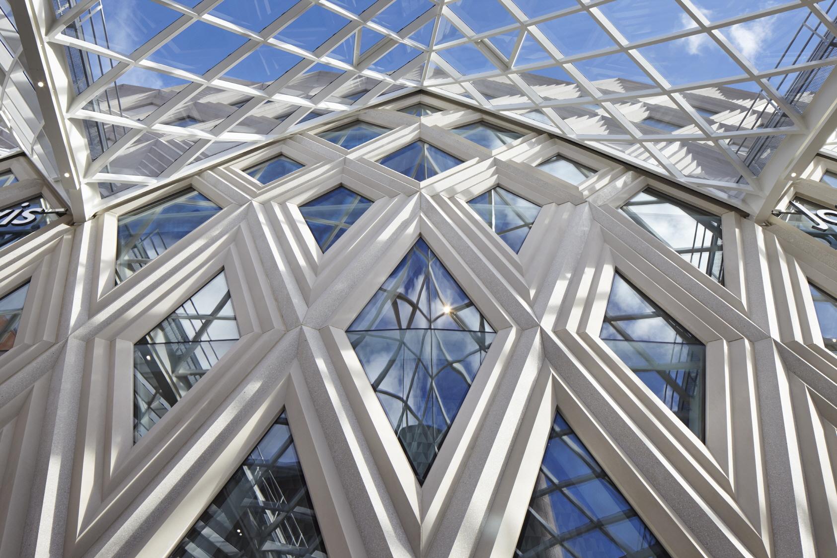 〔안정원의 건축 칼럼〕 지역의 맥락성을 고려한 입체적인 파사드와 다이어그리드 패턴 공간 5