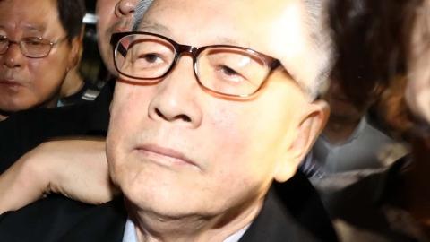 김기춘, 석방 사흘 만에 또 검찰 소환...이번엔 재판거래 의혹