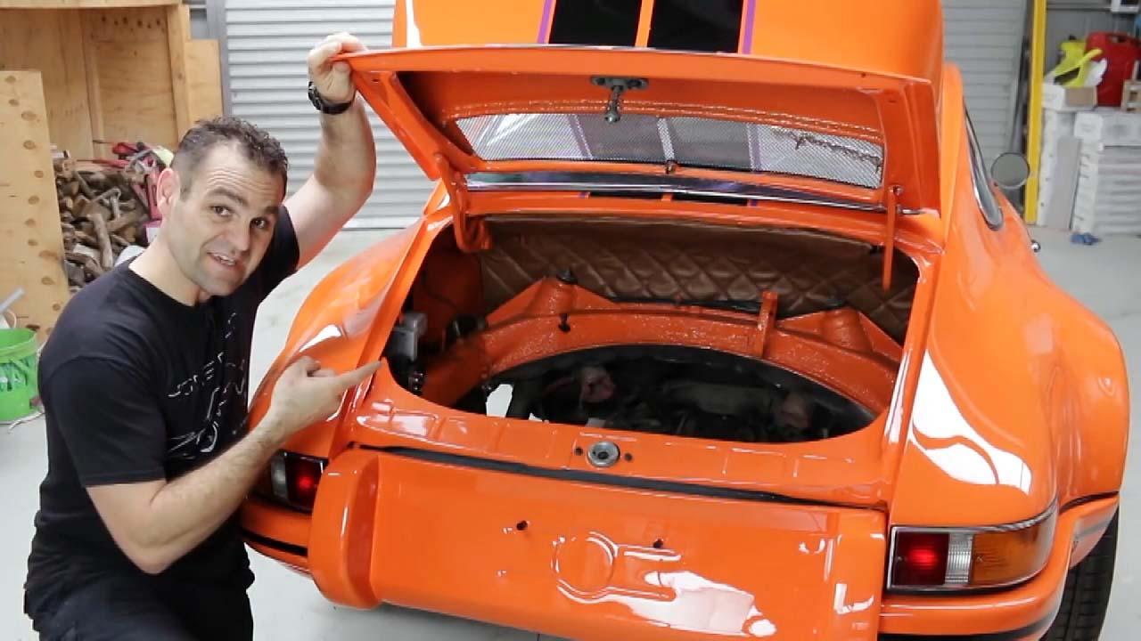 [지구촌생생영상] 폐차 직전 차량, 새 차로 탈바꿈시킨 남성
