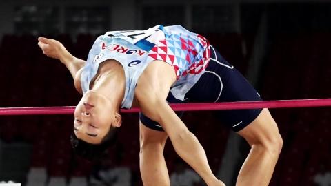 우상혁, 남자 높이뛰기 은메달...2m 28 도약
