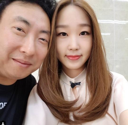 """한수민, 패륜 손가락 동작 논란 사과 """"신중하지 못했다"""""""