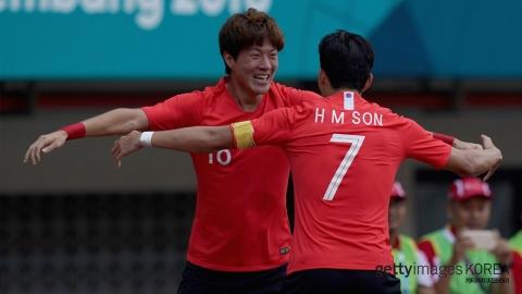 손흥민 '주고' 황의조 '넣고'...천하무적 '동갑 친구'