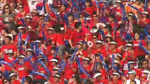 뜨거운 응원전...'붉은 함성' 최고조