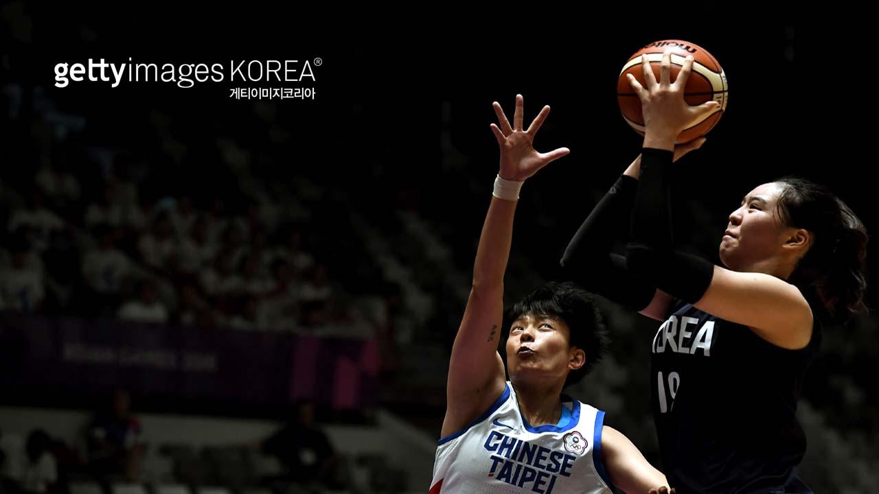 여자 농구 단일팀, 타이완 꺾고 결승 진출_이미지