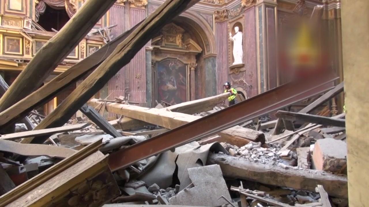 로마 한복판 16세기 성당 붕괴...긴급 대피