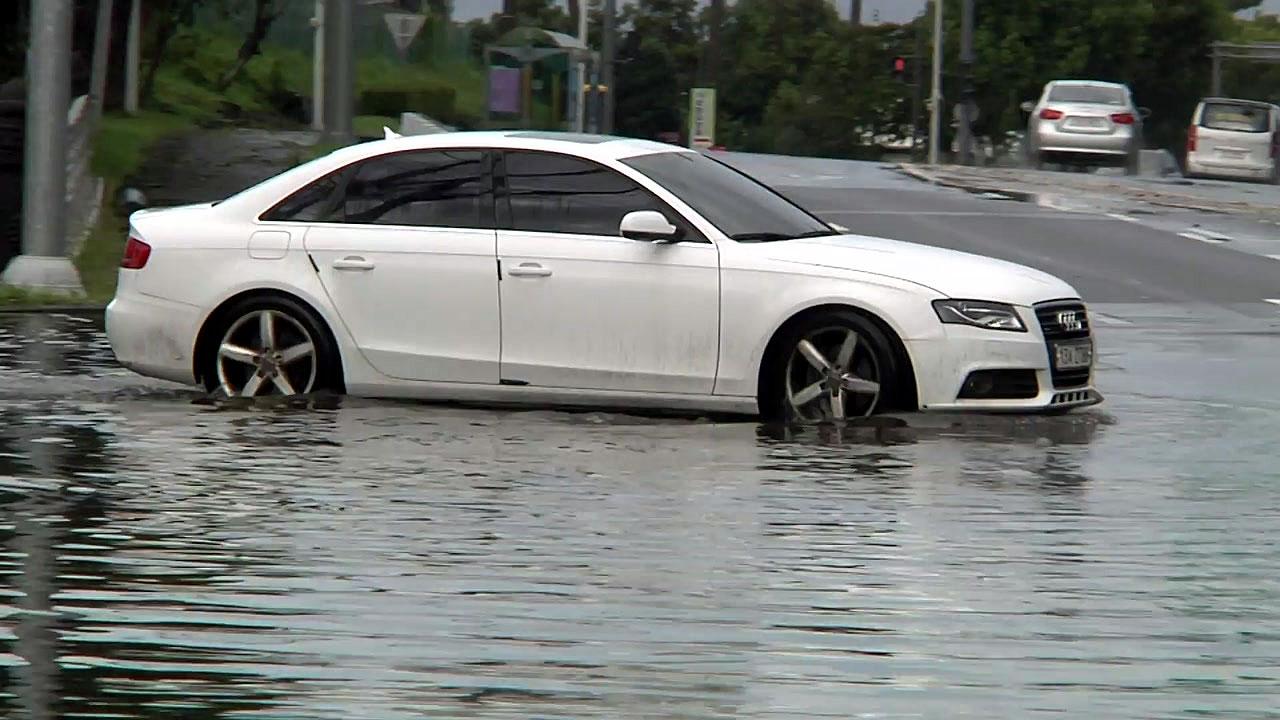 제주 기습 폭우 피해...오늘도 많은 비