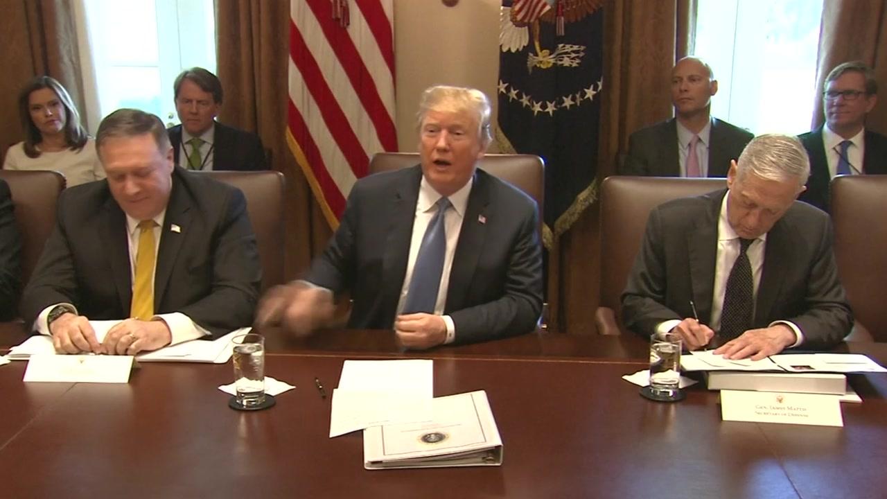 트럼프, '종전선언 반대' 대북 강경파 벽 넘을까?