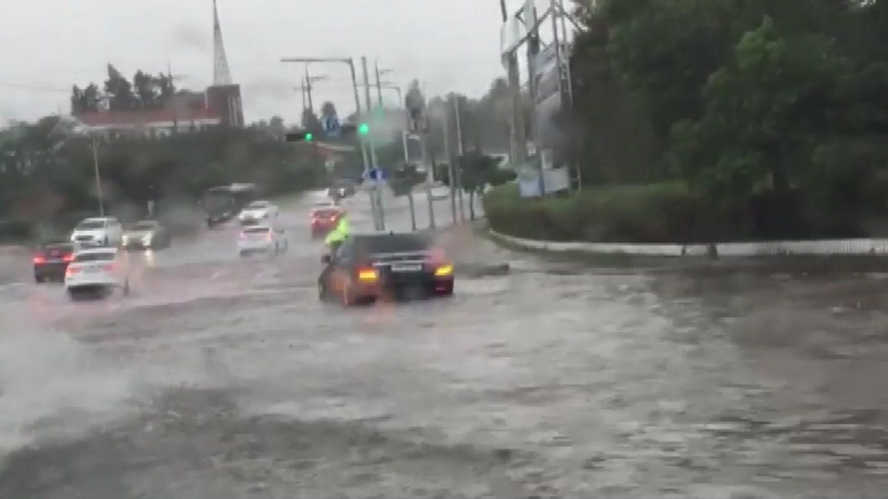 제주 기습 폭우 피해...오전까지 약한 비