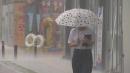[취재N팩트] 호우 부른 찬 공기, 초대형 태풍은 ...