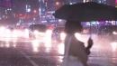 [날씨] 호우 부른 찬 공기, 초대형 태풍은 막았다