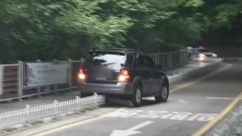 [단독] 인천 도심 공원 '광란의 도주극'...자취 감춘 운전자
