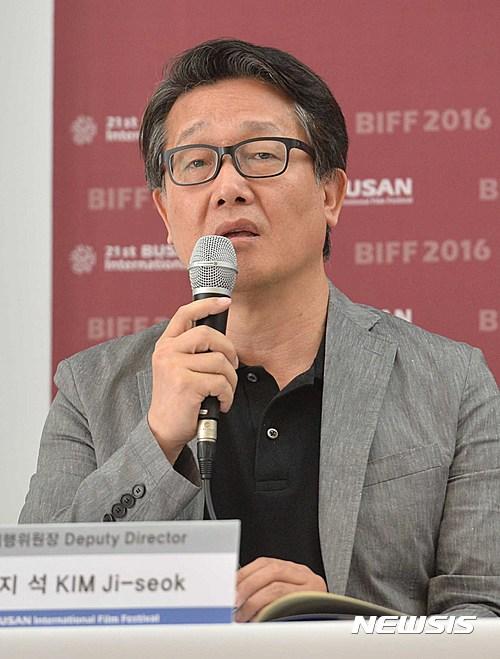 """전양준 집행위원장 """"故 김지석 추모 다큐멘터리 선보일 것"""""""