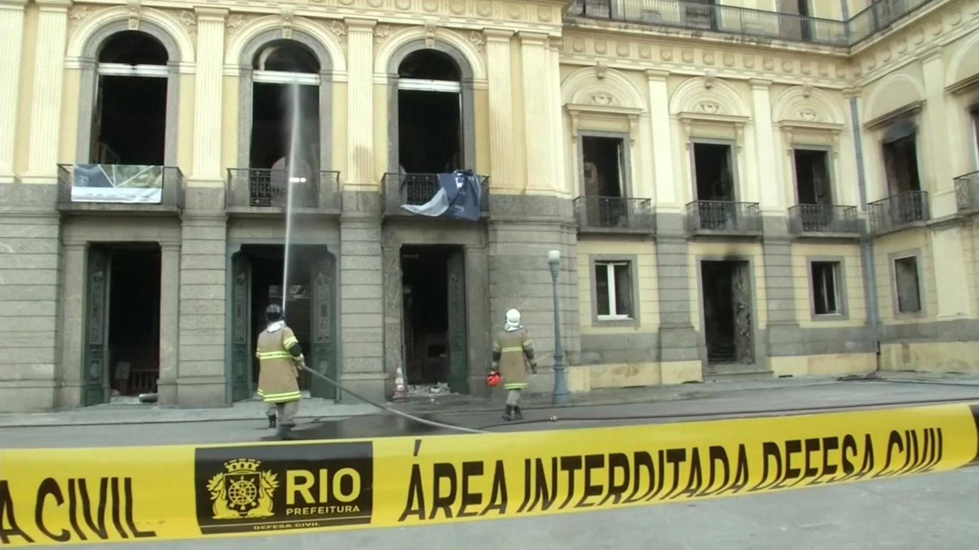 브라질 국립 박물관 대화재에서 살아남은 유물