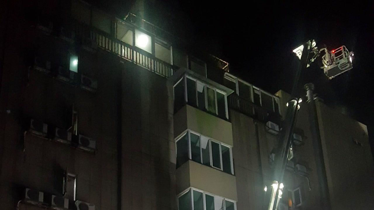 춘천 숙박업소에 불...6명 부상 20여 명 대피