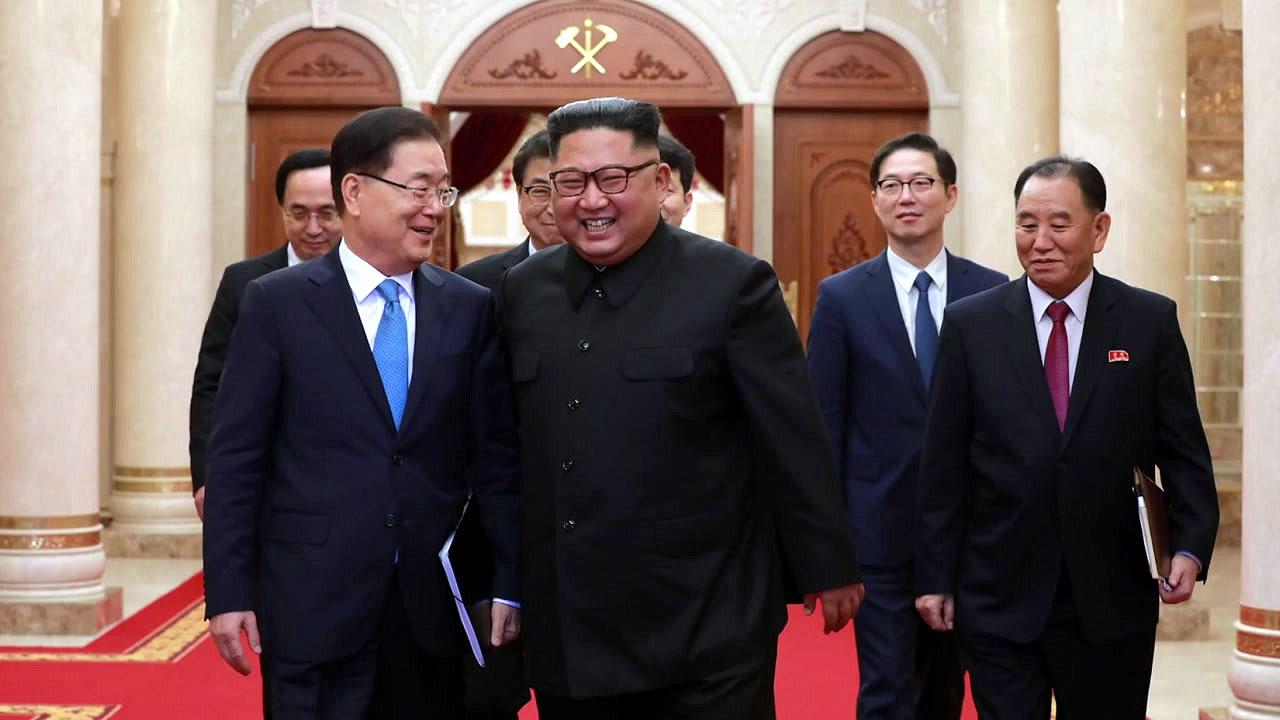 """[속보] 北 김정은 """"핵없는 한반도 확고한 입장"""""""