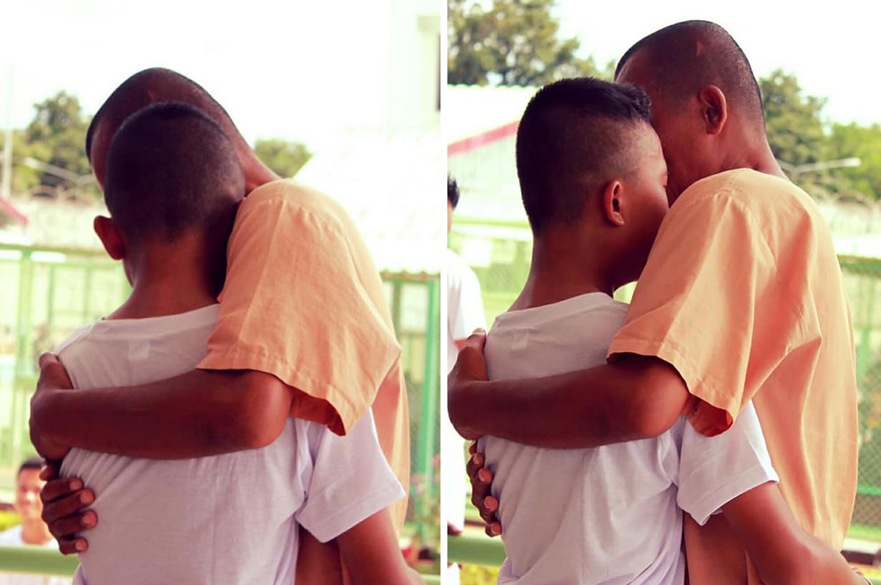 교도소 견학 중 수감된 아빠를 만난 아들 '오열'