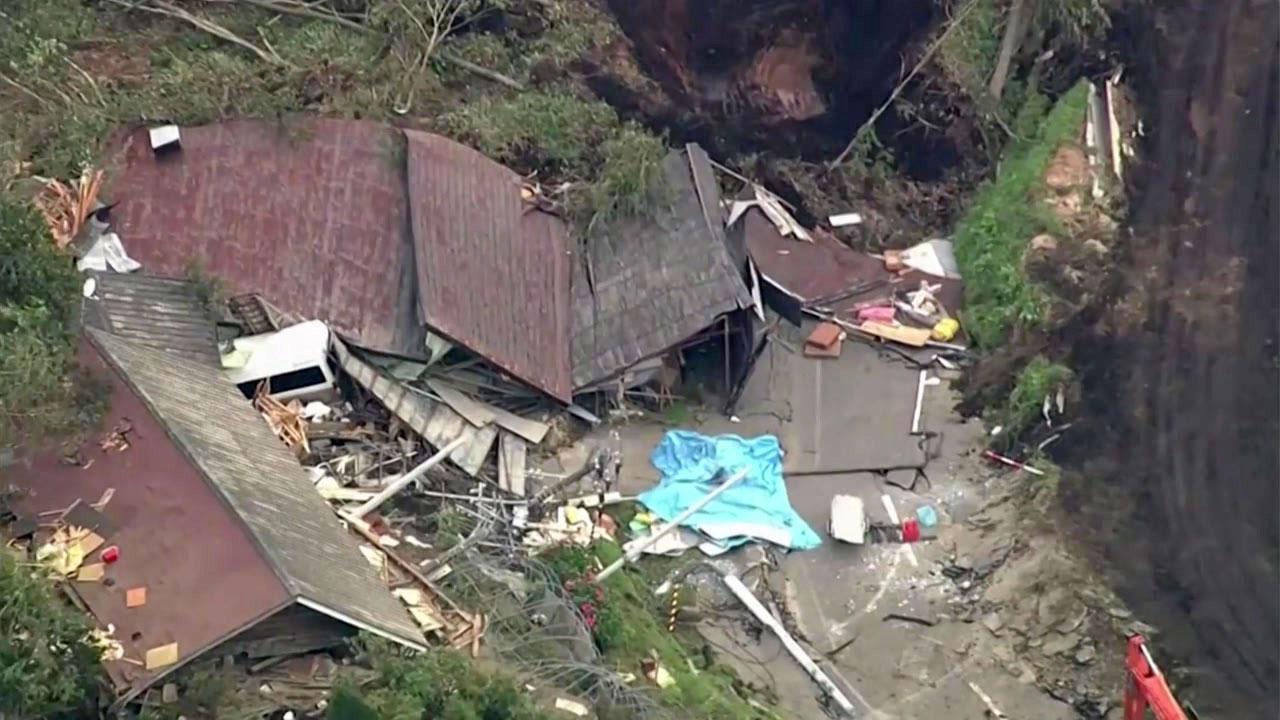 홋카이도 강진 피해 속출...정전 46% 복구