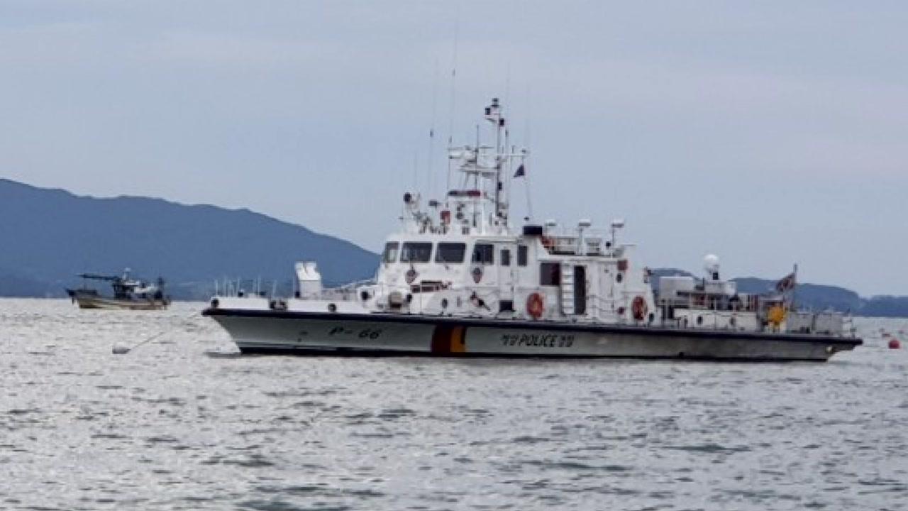 7.3톤급 어선 암초에 부딪혀 선장 실종