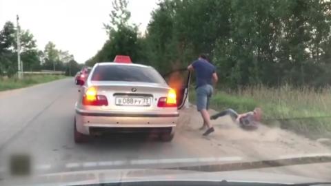 쓰레기 무단 투기한 승객...택시 기사의 반응은?