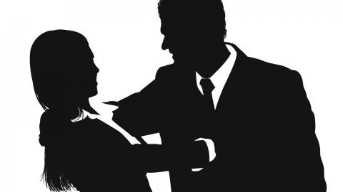 유명 심리치료사, 트라우마 치료한다며 성폭행 의혹